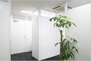 ホワイトを基調にした清涼感溢れるオフィス