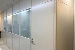 施工事例009 工場にクリーンルーム・ファクトリーブースを作って作業環境を改善!(都内某社さま)