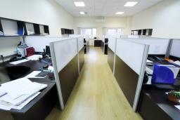 オフィスで活躍するパーテーションの選び方