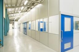 パーテーション?プレハブ?工場や倉庫に部屋を増設するならどちらがいいの?