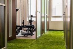 【施工インタビュー 015】 パーソナルトレーニングジムの個室間仕切り(株式会社N-fitnessさま)